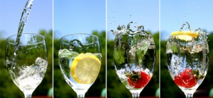 http://gfoodrecipe.files.wordpress.com/2011/09/water-and-fruit-749872.jpg?w=300
